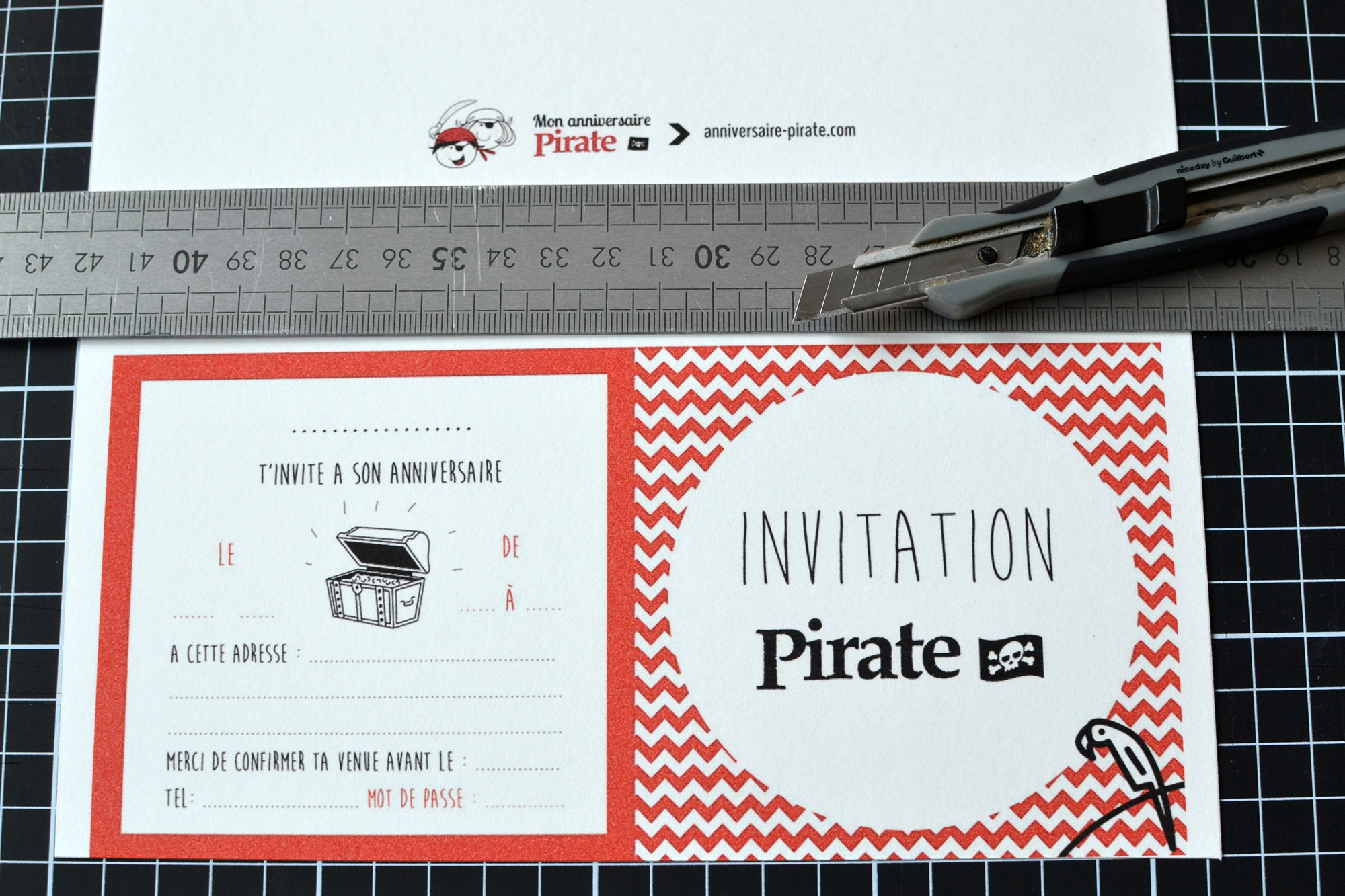 decouper carton anniv pirate au cuter