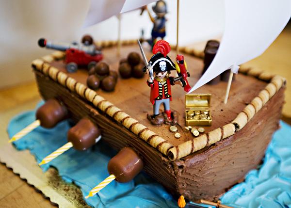 bateau pirate en gateau